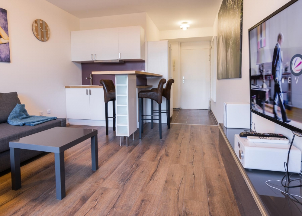 Купить квартиру или положить деньги в банк?